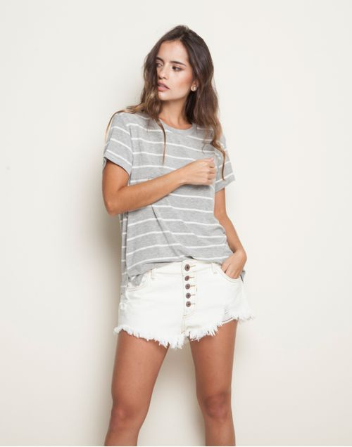 camiseta-131945-gris-1.jpg