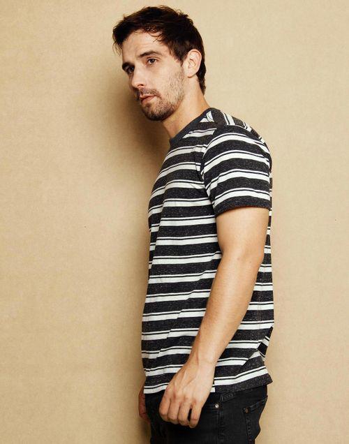 camiseta-111713-negro-2.jpg
