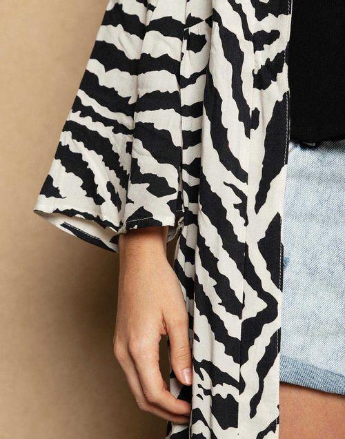 kimono-140058-negro-2.jpg