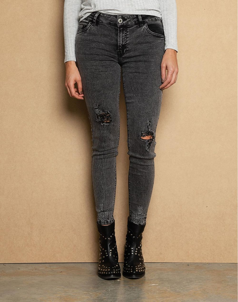 Precio reducido amplia selección de diseños 60% barato Medium Waist Black Denim Jeans + Rotos