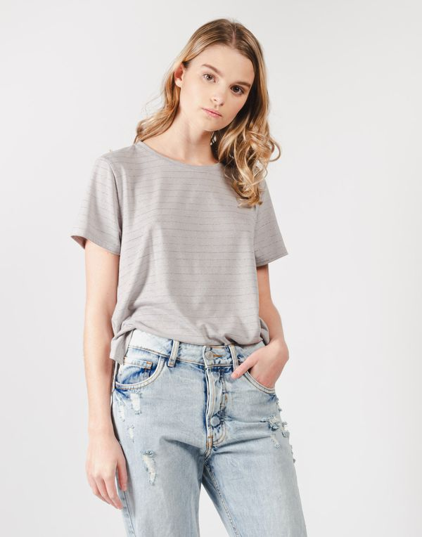 camiseta-180255-gris-4.jpg