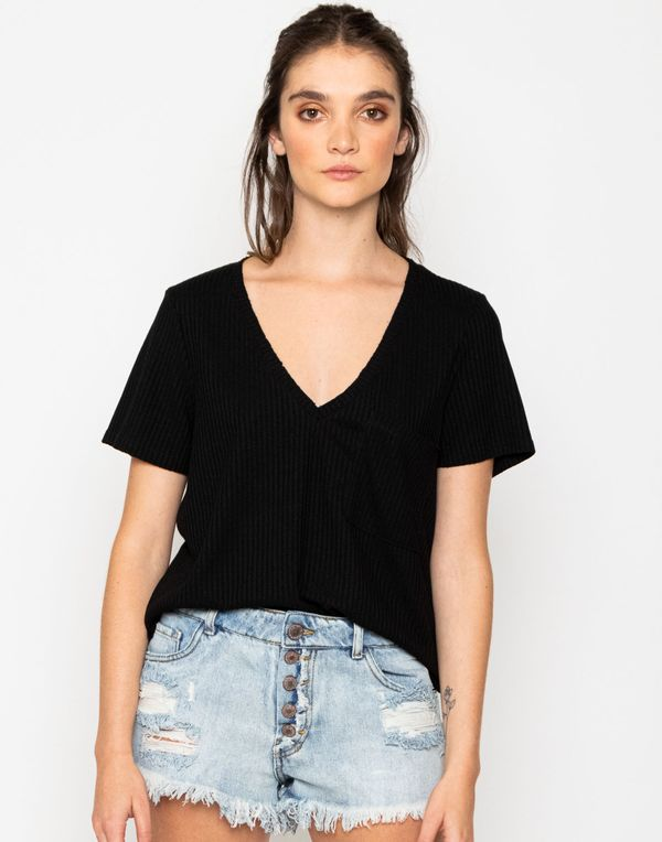 camiseta-180182-negro-1