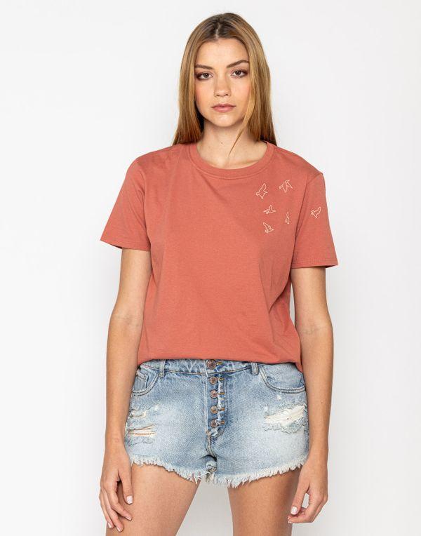 camiseta-180335-rojo-1.jpg