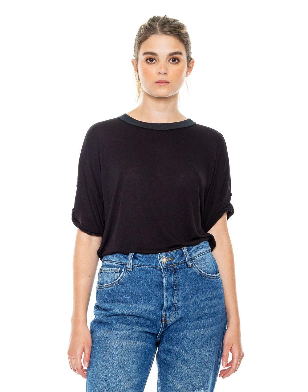 camiseta-180500-negro-1.jpg