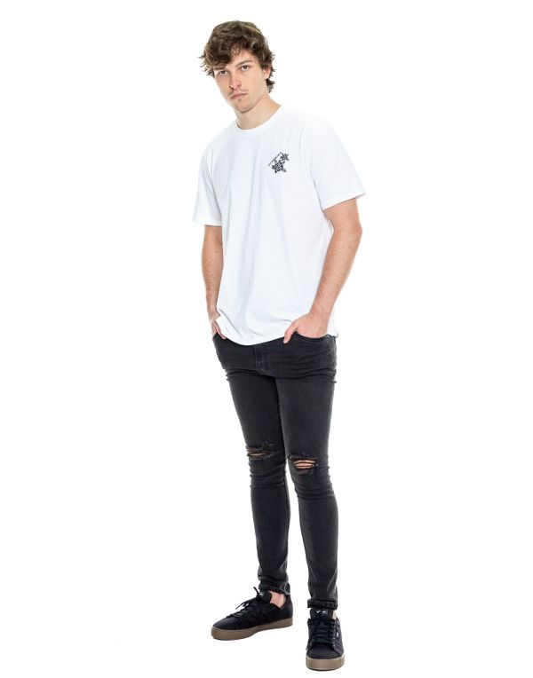 camiseta-042325-blanco-2.jpg