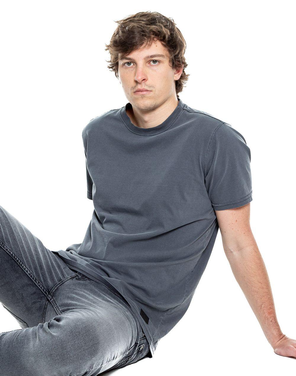 camiseta-042343-gris-1.jpg