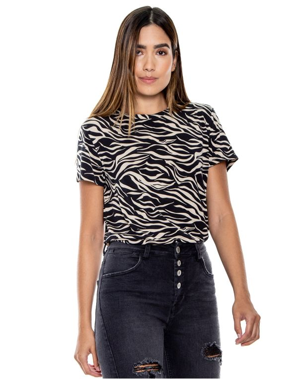 camiseta-114309-negro-1