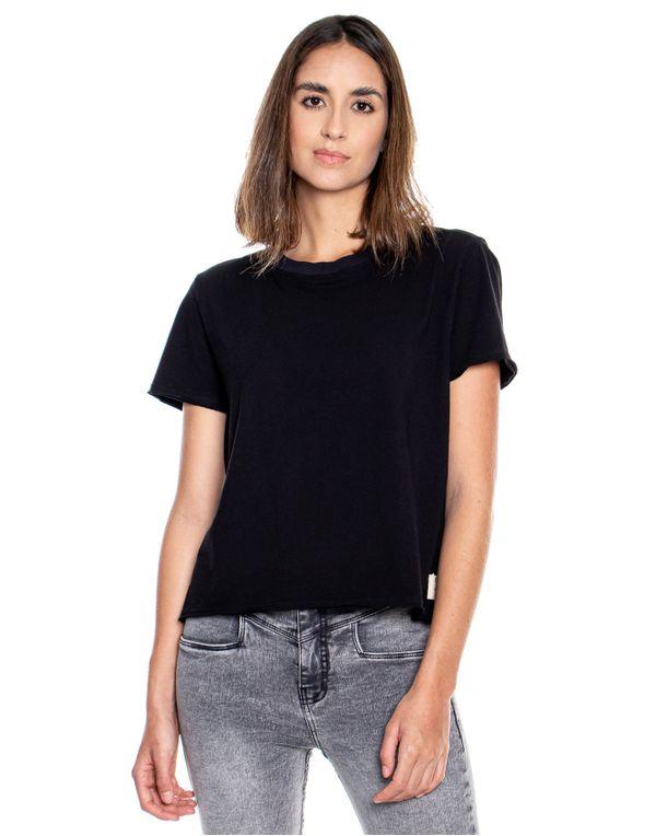camiseta-124311-negro-1.jpg