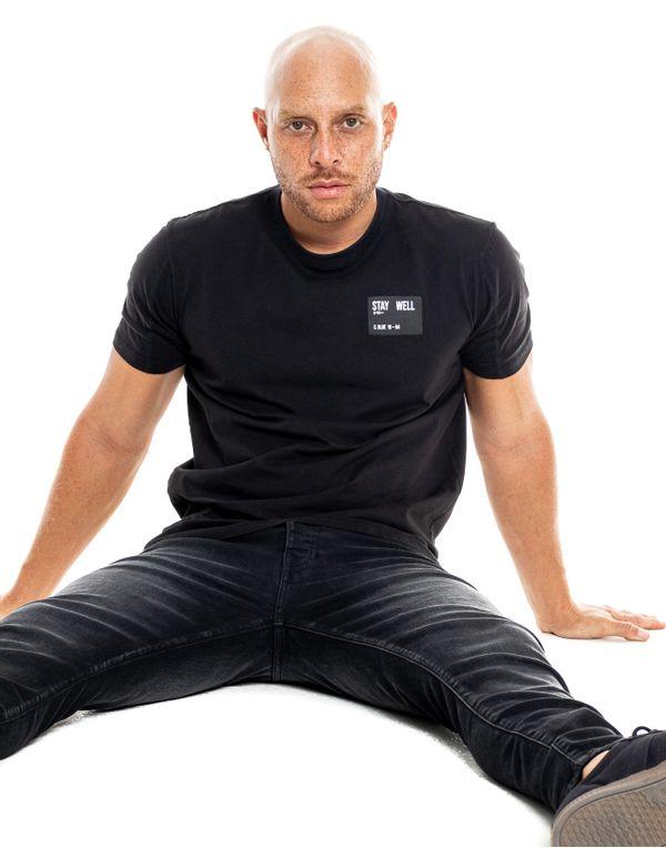 camiseta-122328-negro-2.jpg